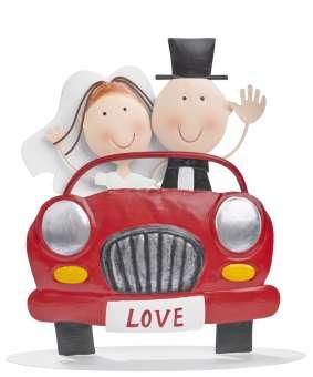 3473202 Hochzeitspaar im Auto,  20 cm